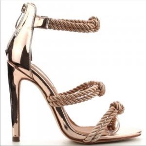 Cape Robbin Unane gold patent knot heels 7.5